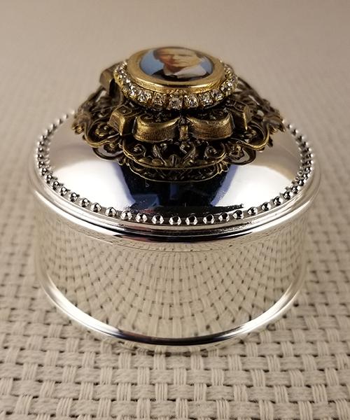 Small silver prayer box
